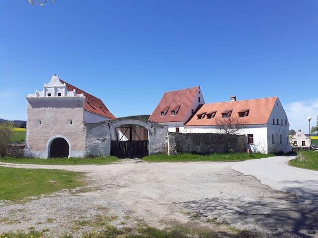 Old Farmhouse  ❤️  near CK Český Krumlov