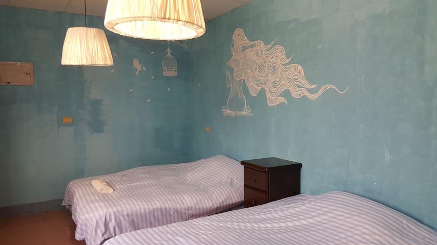 溫馨乾淨的四人套房,含豐盛的早午餐 - Xiulin Township - Bed & Breakfast