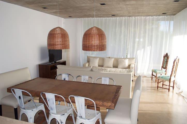 Casa Barrio Cerrado en Quequen(Necochea) a mts mar