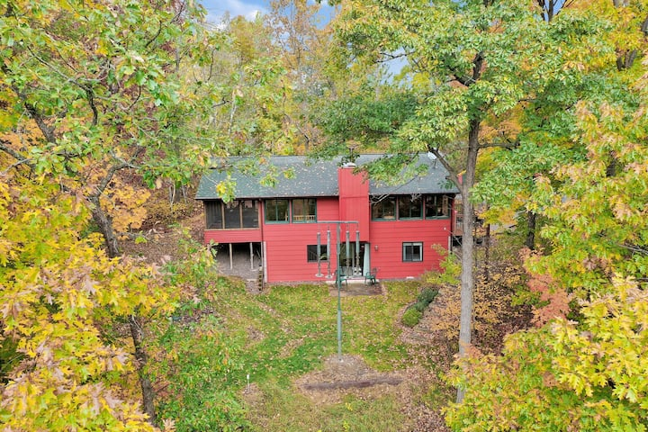Woodland Trails Cabin with 1 Bedroom on 90 acres