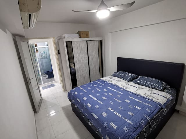 Private Room With King Size Bed Near Seng Kang MRT