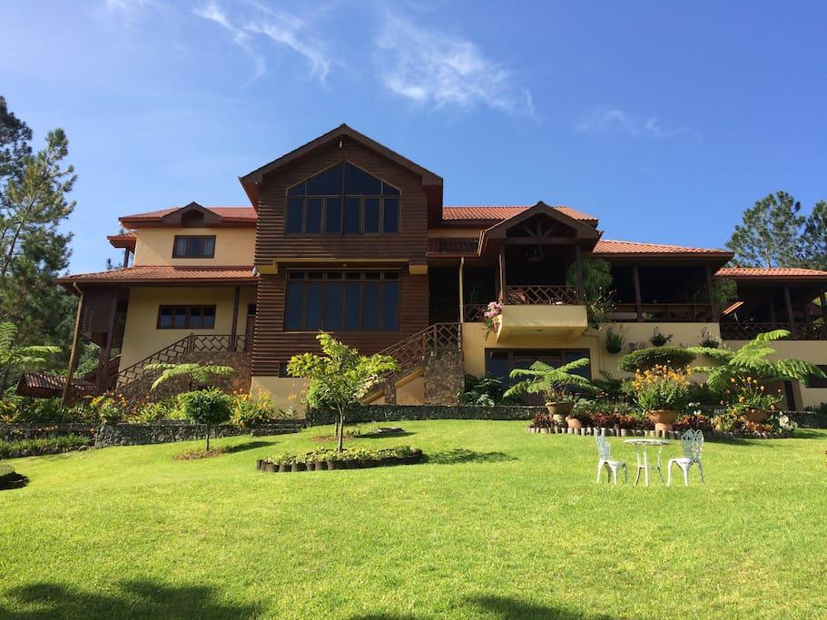 Villa en jarabacoa para 10 persona houses for rent in for Villas en jarabacoa