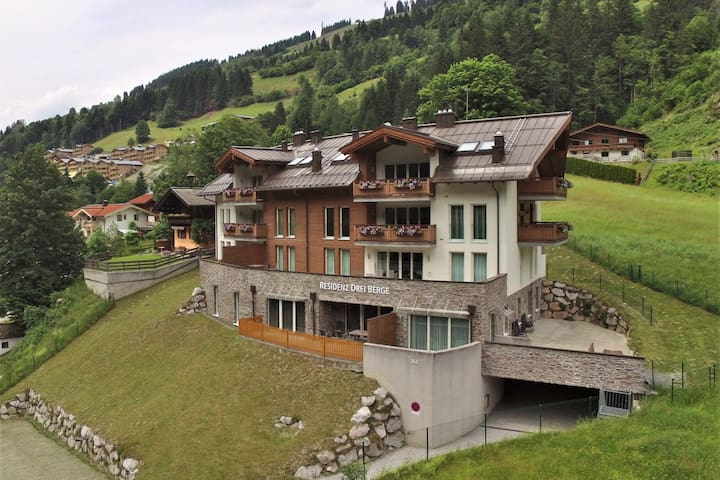 Lovely Apartment in Saalbach-Hinterglemm near Ski Area