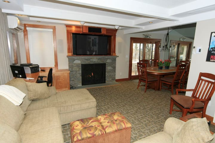Remodeled Ski Condo on Bromley Mtn! - Peru - Condo