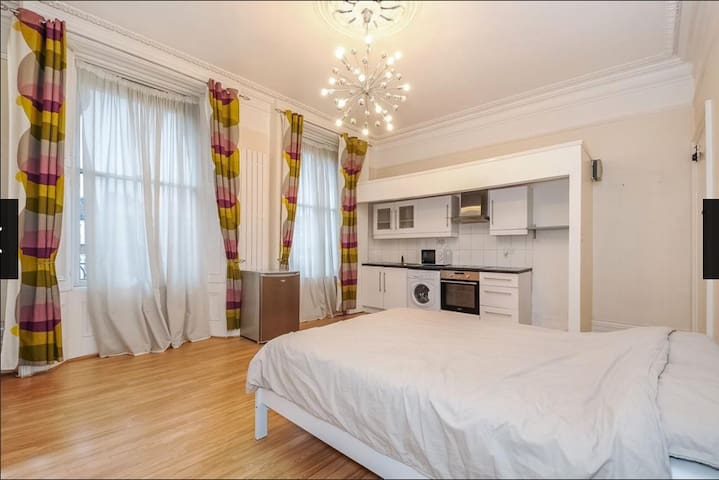 Private Studio Apartment - Thornton Heath - Квартира