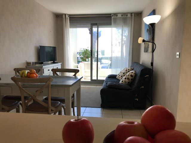 Bel appartement Piscine près des plages