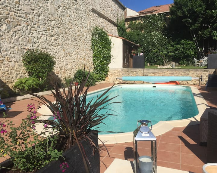 Independent accommodation - terrace, swimming pool