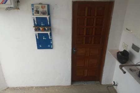 Alugo dormitório para família, até 4 pessoas...