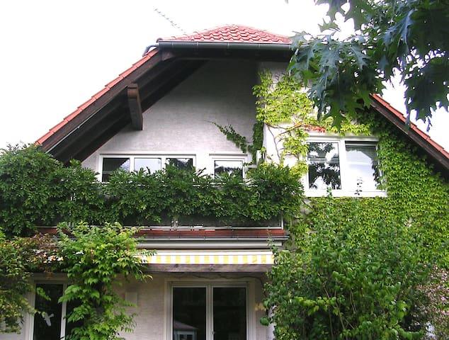 Gemütliche Wohnung, zentral, Nähe Frankfurt/Main