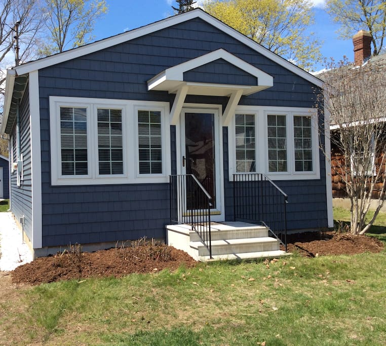 Beach home in quiet neighborhood cottages for rent in for Old saybrook fish house