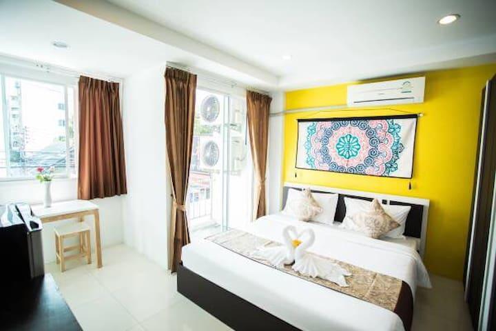 酒店豪华阳台房房间