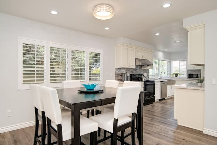 Newly remodeled house in heart of Orange County