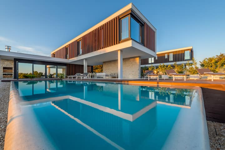 Amazing New Luxury Villa With Seaview in Primosten