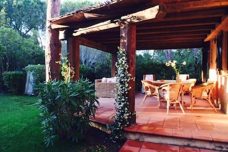 Villa sul mare a S.Teodoro Sardegna Capo C Cavallo - Cala Suaraccia - วิลล่า