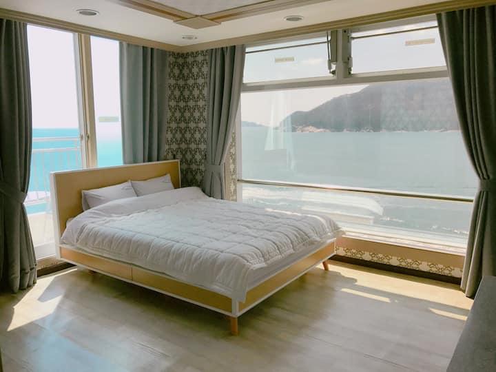 환상적인오션뷰 Tour house 투어하우스, 거제여행의 중심지 장승포 깔끔한 숙소