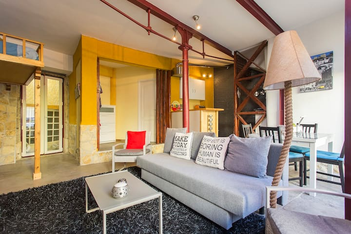 CHARMING LOFT in OLD FACTORY + PÁTIO WITH BARBECUE - Lisboa - Byt