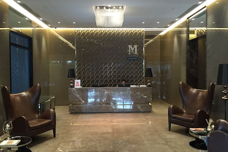 One Bedroom Luxury Condo wth amenities & near BTS. - Bangkok