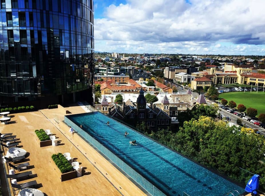 Luxurious perfect location car park apartments for for Pool show on foxtel
