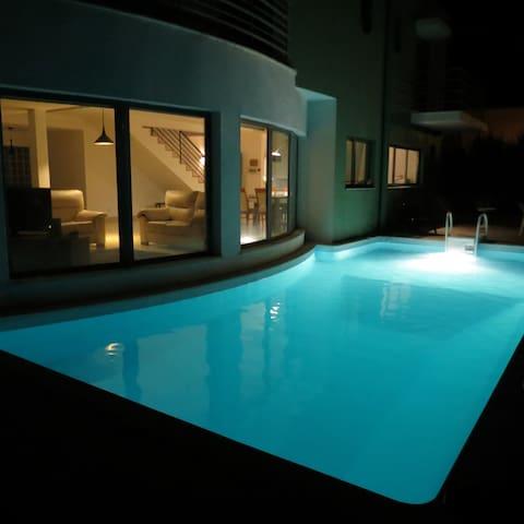 Pool Villa Palmela Resort