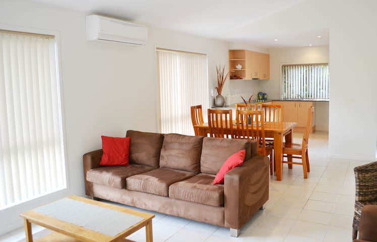 Number 2 - Private 1BR Townhouse near Surf Beach - Surf Beach - Reihenhaus