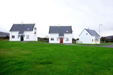 Burren Way Cottages  Bell Harbour - 3 Bed Type B - Haus