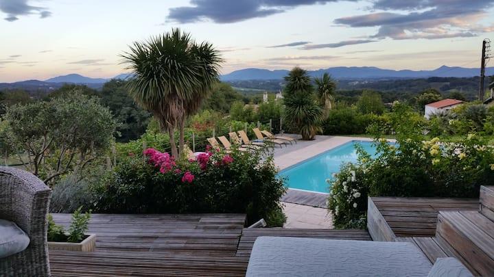 Villa avec magnifique vue sur les montagnes