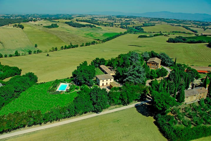 Farmhouse between Toscana / Umbria - Castiglione del Lago - Apartment