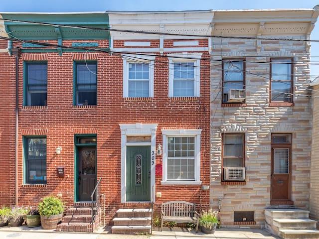 Historic Fells Point Baltimore, Johns Hopkins