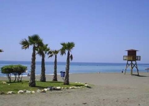 Apartamento en la playa en Rincón de la Victoria