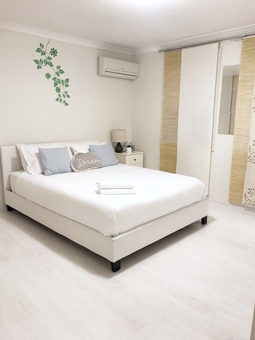 Master bedroom: with bathroom - Clean fresh linens provided for 2