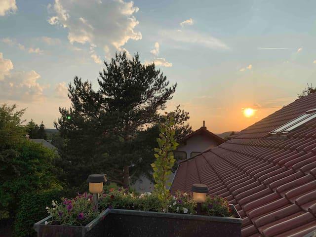 Loft Wohnung mit Panoramablick auf Honberg.