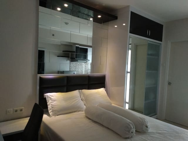 Apartemen Berkelas dengan Kolam Renang 8000m2