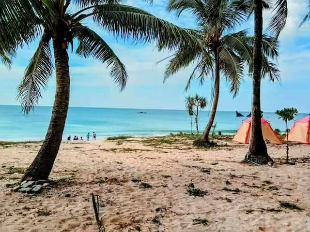 Thazin Beach Hotel