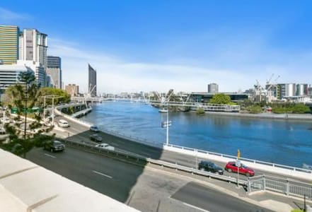 1BR city apartment close to everything - Brisbane City