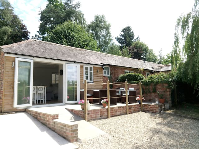 Willow View, Longclose House