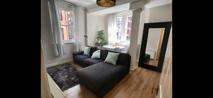 City Centre, 3 bedroom, sleeps 6 with free parking