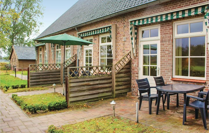 Amazing home in De Moer with WiFi and 2 Bedrooms