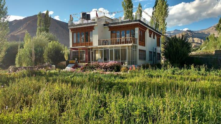 Khangsar Deluxe Home Stay