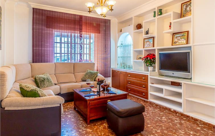 Terraced house with 3 bedrooms on 100m² in Málaga