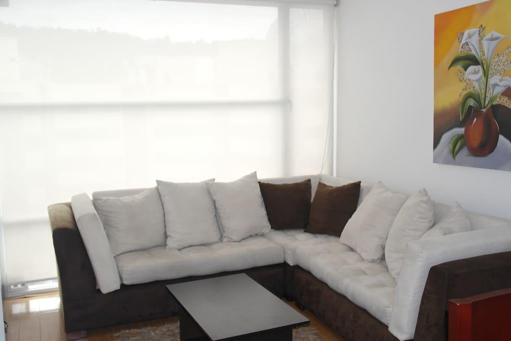 Sala comoda y moderna