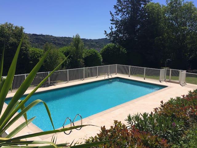 Chambre dans villa, Piscine, calme - Grasse - Casa de camp