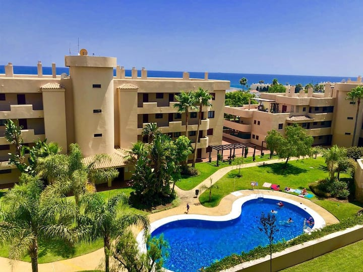 Lovely apartment walking distance to the beach
