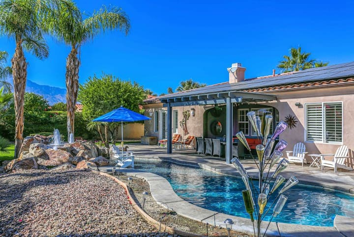 Cheerful, dog-friendly getaway w/ a wet bar, firepit, private pool, & pool spa