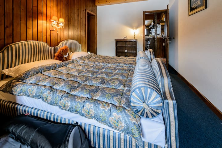 Twin Room in Traditional Verbier Apartment