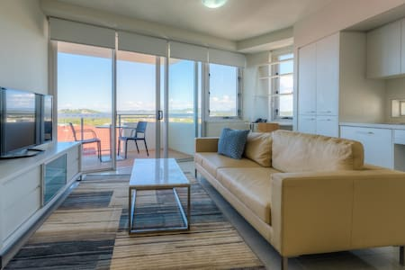 Yeppoon CBD - One Bedroom Access Apartment - Appartement