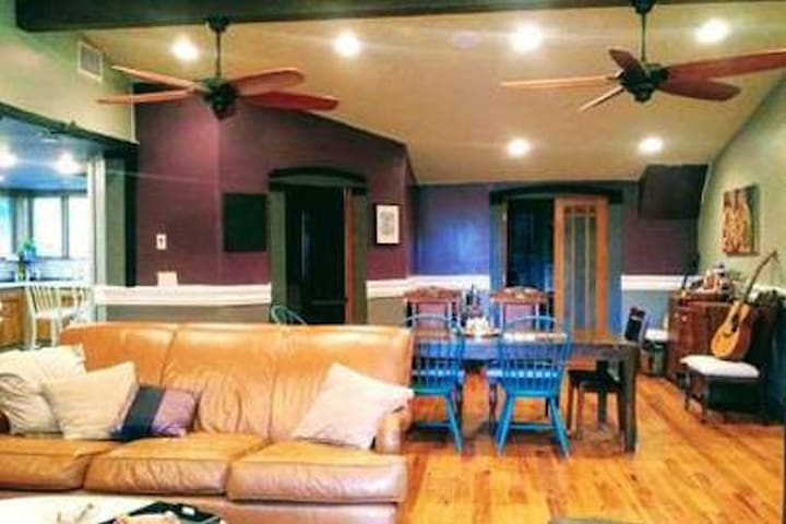 Get your wanderlust fix!  Eastside Bunk Room w/TV