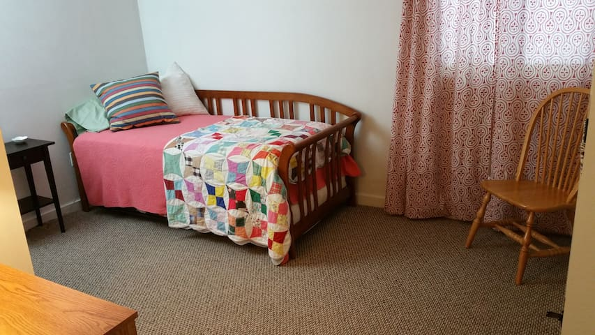 2nd Bedroom with Daybed and Trundle.  (Can be made into a double bed or 2 twins.)