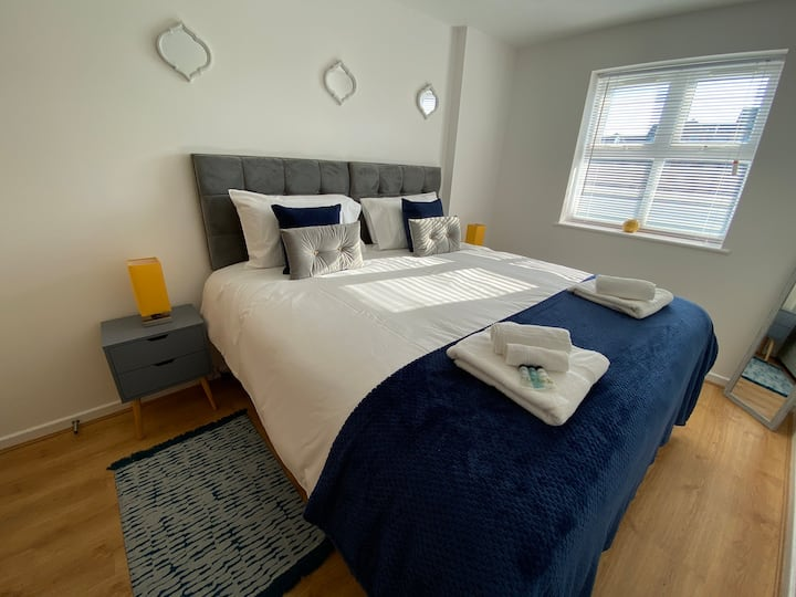 Marie's Serviced Apartment B, 2 Beds(free parking)