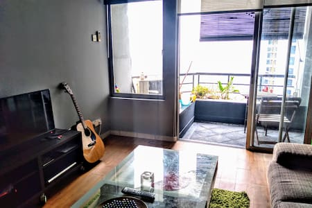 Artistic room in Bangsar South near LRT