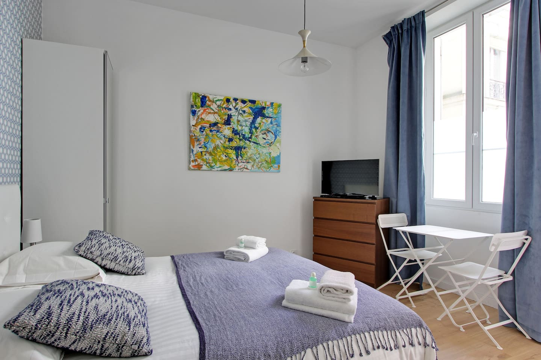 Modern & trendy studio in Montmartre